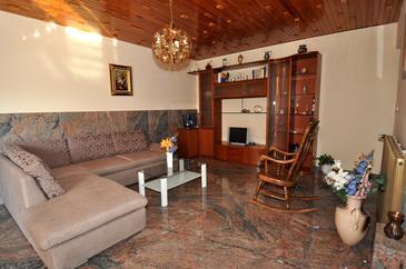 Podstrana, Obývací pokoj v ubytování typu apartment, WiFi.