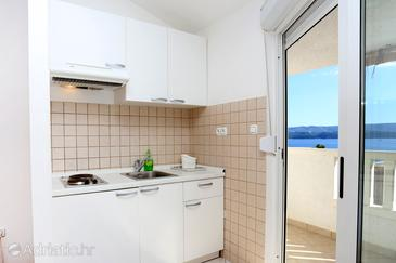 Stanići, Kitchen in the studio-apartment, WIFI.