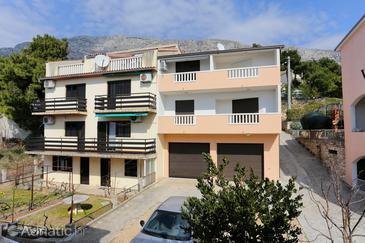 Stanići, Omiš, Obiekt 10305 - Apartamenty przy morzu ze żwirową plażą.