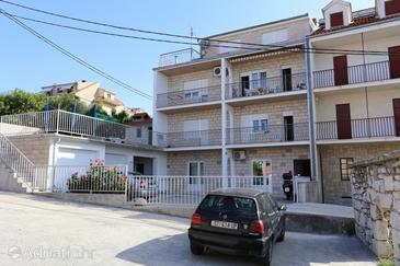 Podstrana, Split, Property 10309 - Apartments near sea with pebble beach.