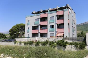 Žrnovnica, Split, Property 10310 - Apartments with pebble beach.