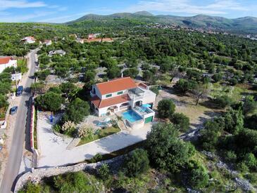 Marina, Trogir, Объект 10317 - Дом для отдыха с галечным пляжем.