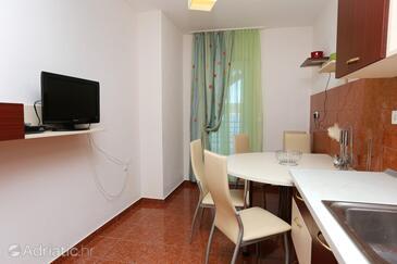 Ražanj, Dining room in the apartment, dopusteni kucni ljubimci i WIFI.