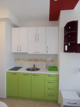 Ražanj, Kitchen in the studio-apartment, (pet friendly) and WiFi.