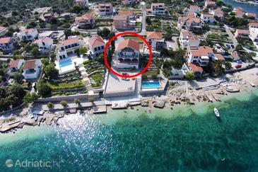 Ražanj, Rogoznica, Property 10318 - Apartments near sea with pebble beach.