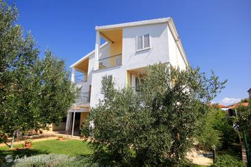 Žaborić, Šibenik, Property 10319 - Apartments near sea with pebble beach.