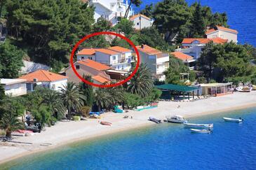 Stanići, Omiš, Propiedad 1032 - Apartamentos near sea with pebble beach.