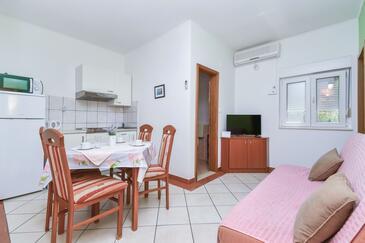 Pisak, Dnevna soba v nastanitvi vrste apartment, dostopna klima in WiFi.