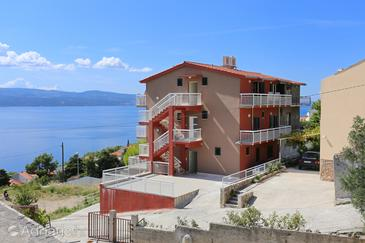 Stanići, Omiš, Property 10324 - Apartments with pebble beach.