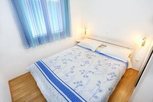 Апартаменты у моря Марина - Marina, Трогир - Trogir - 10327
