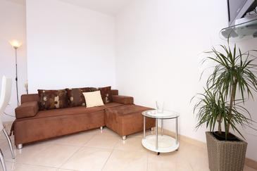 Seget Vranjica, Living room in the apartment, dopusteni kucni ljubimci i WIFI.