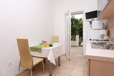 Seget Vranjica, Dining room in the apartment, dopusteni kucni ljubimci i WIFI.