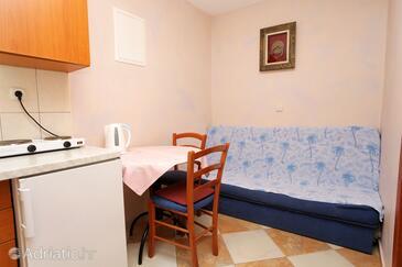 Promajna, Jídelna v ubytování typu apartment, WiFi.