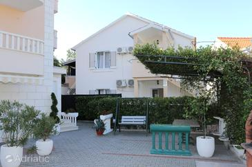 Promajna, Makarska, Property 10329 - Apartments near sea with pebble beach.