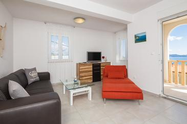Marušići, Living room in the apartment, dostupna klima i WIFI.