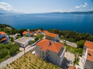 Marušići, Omiš, Property 10330 - Apartments with pebble beach.