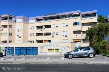Podstrana, Split, Property 10332 - Apartments near sea with pebble beach.