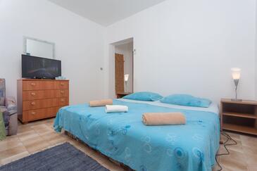 Mavarštica, Bedroom in the room, dostupna klima i WIFI.