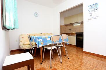Rogoznica, Jídelna v ubytování typu apartment, WiFi.