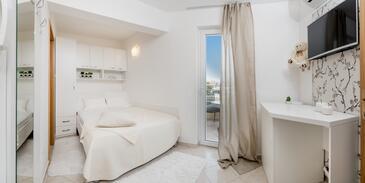 Rogoznica, Sypialnia w zakwaterowaniu typu room, Dostępna klimatyzacja i WiFi.