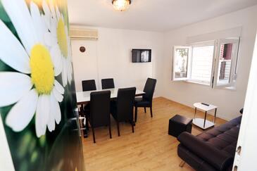 Trogir, Obývacia izba v ubytovacej jednotke apartment, WiFi.