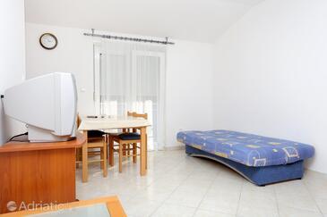 Arbanija, Living room in the apartment, dostupna klima, dopusteni kucni ljubimci i WIFI.