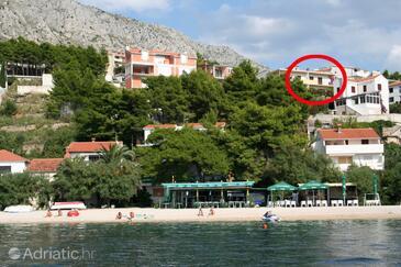 Stanići, Omiš, Property 10350 - Apartments near sea with pebble beach.