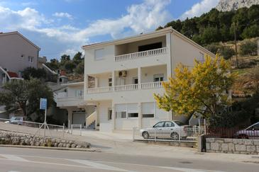 Omiš, Omiš, Property 10351 - Apartments with sandy beach.
