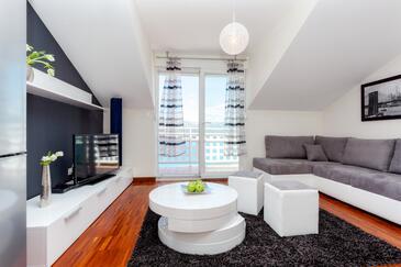 Mastrinka, Living room in the apartment, dopusteni kucni ljubimci i WIFI.
