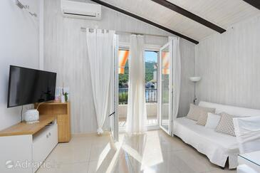 Grebaštica, Living room in the apartment, air condition available, (pet friendly) and WiFi.
