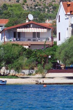 Grebaštica, Šibenik, Объект 10366 - Апартаменты вблизи моря с галечным пляжем.