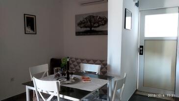Marušići, Jídelna v ubytování typu apartment, s klimatizací a WiFi.