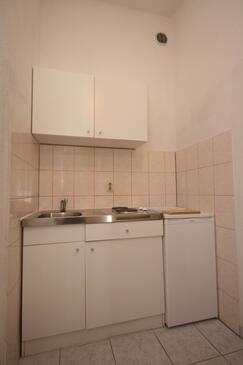 Baška Voda, Kuhinja v nastanitvi vrste studio-apartment, WiFi.