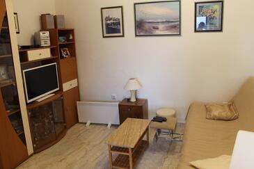 Pisak, Obývací pokoj v ubytování typu apartment, dostupna klima i WIFI.