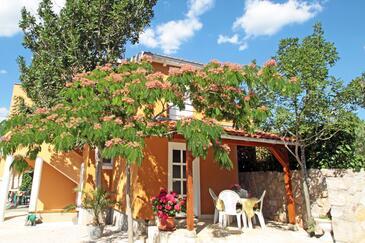 Vinjerac, Zadar, Objekt 10413 - Apartmani blizu mora sa pješčanom plažom.