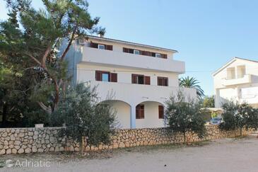 Novalja, Pag, Propiedad 10417 - Apartamentos with pebble beach.