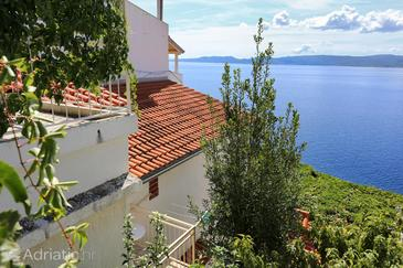 Marušići, Omiš, Property 1042 - Apartments by the sea.