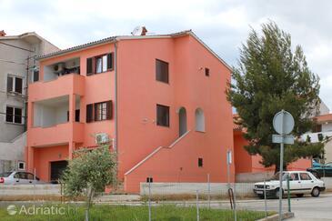 Pula, Pula, Hébergement 10429 - Appartement avec une plage de galets.