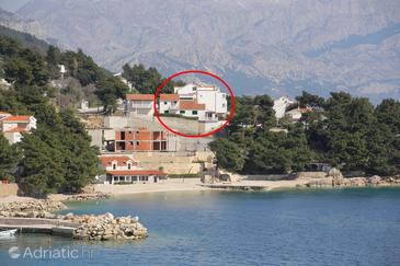 Medići, Omiš, Property 1046 - Apartments near sea with pebble beach.