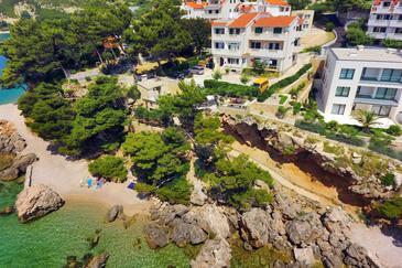 Medići, Omiš, Objekt 1047 - Ubytování v blízkosti moře s oblázkovou pláží.
