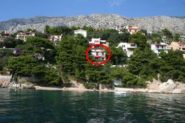 Stanići, Omiš, Objekt 1049 - Apartmani blizu mora sa šljunčanom plažom.