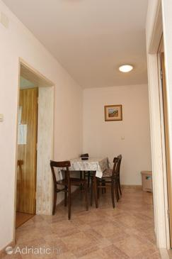 Živogošće - Porat, Столовая в размещении типа apartment, WiFi.
