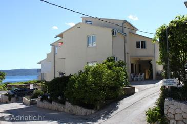 Živogošće - Blato, Makarska, Property 1059 - Apartments with pebble beach.