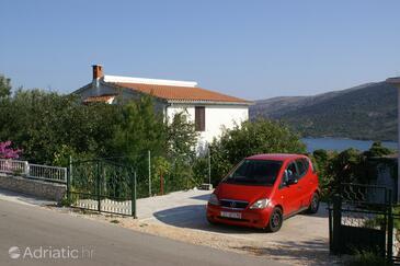 Marina, Trogir, Objekt 1062 - Ubytování s oblázkovou pláží.