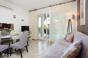 Balića Rat, Wohnzimmer in folgender Unterkunftsart apartment, Haustiere erlaubt und WiFi.
