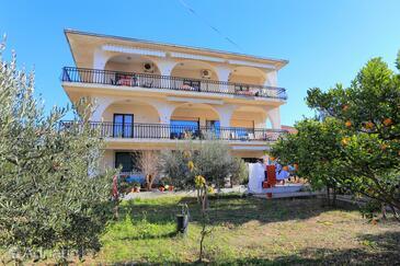 Okrug Gornji, Čiovo, Property 1073 - Apartments near sea with pebble beach.