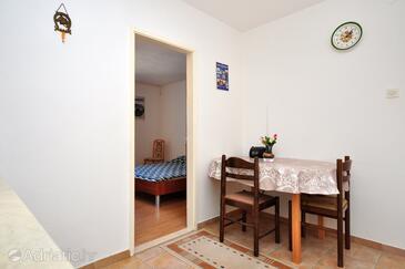 Arbanija, Sala da pranzo nell'alloggi del tipo apartment, WiFi.