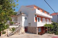 Hvar Apartments and Rooms 109