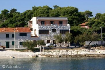 Slatine, Čiovo, Property 1096 - Apartments near sea with pebble beach.
