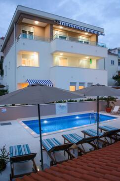 Rastići, Čiovo, Property 11009 - Apartments by the sea.